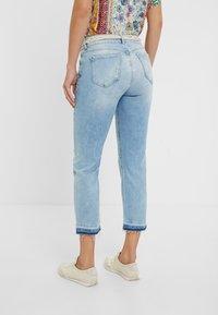 Desigual - PONDIO - Straight leg jeans - blue - 2