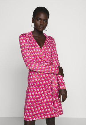 NEW JEANNE  - Denní šaty - pink