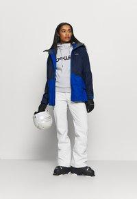 Oakley - WOMENS PANT - Ski- & snowboardbukser - white - 1