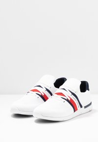 Tommy Hilfiger - SPORTY LIGHTWEIGHT  - Sneakers - white - 4