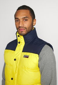 Tommy Jeans - CORP VEST - Waistcoat - valley yellow - 4