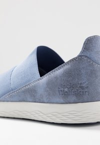 Jack Wolfskin - AUCKLAND - Trainers - light blue/white - 5