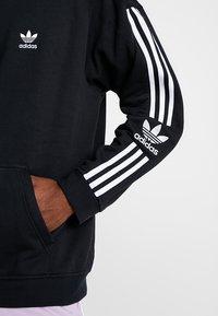 adidas Originals - ADICOLOR TECH HOODIE - Huppari - black - 5