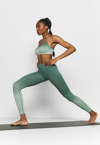 South Beach - SEAMLESS OMBRE LEGGINGS - Leggings - blue spruce - 1