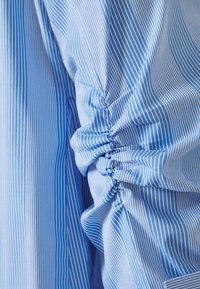 Steffen Schraut - BENITA FASHIONABLE BLOUSE - Button-down blouse - light blue - 2