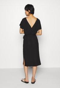 Object - OBJCELIA DRESS - Žerzejové šaty - black - 2