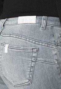 Liu Jo Jeans - DIVINE - Skinny džíny - grey raziel wash - 4