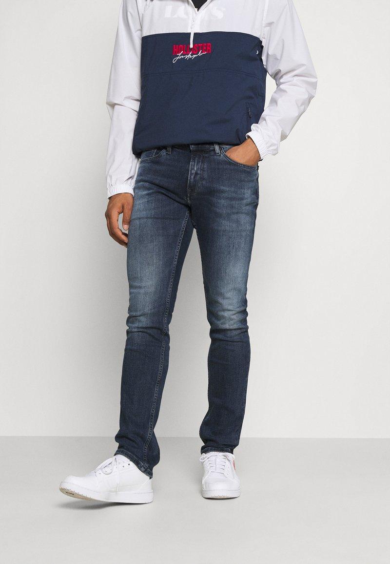 Tommy Jeans - SCANTON SLIM - Jeans Slim Fit - denim