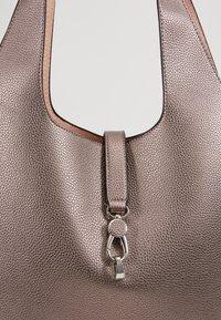 PARFOIS - SET - Handbag - silver - 6
