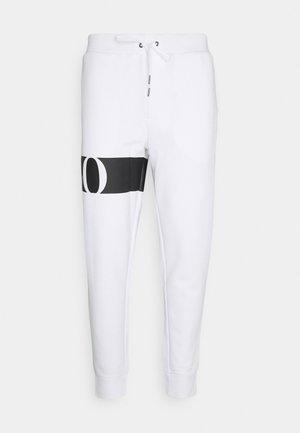 DOUBLE TECH - Spodnie treningowe - white