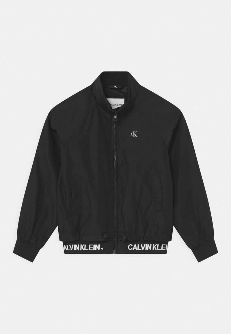 Calvin Klein Jeans - LOGO RLIGHT  - Bomber bunda - black