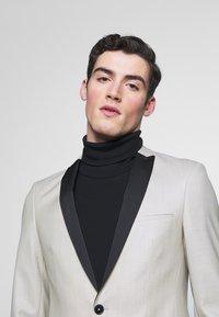 Viggo - BUSKERUD SUIT - Kostym - champagne - 6