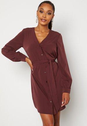 FENNE - Shirt dress - bordeaux
