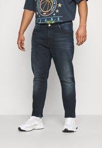 Tommy Jeans Plus - SCANTON SLIM - Slim fit jeans - CORNELL BLUE BLACK STRETCH - 0