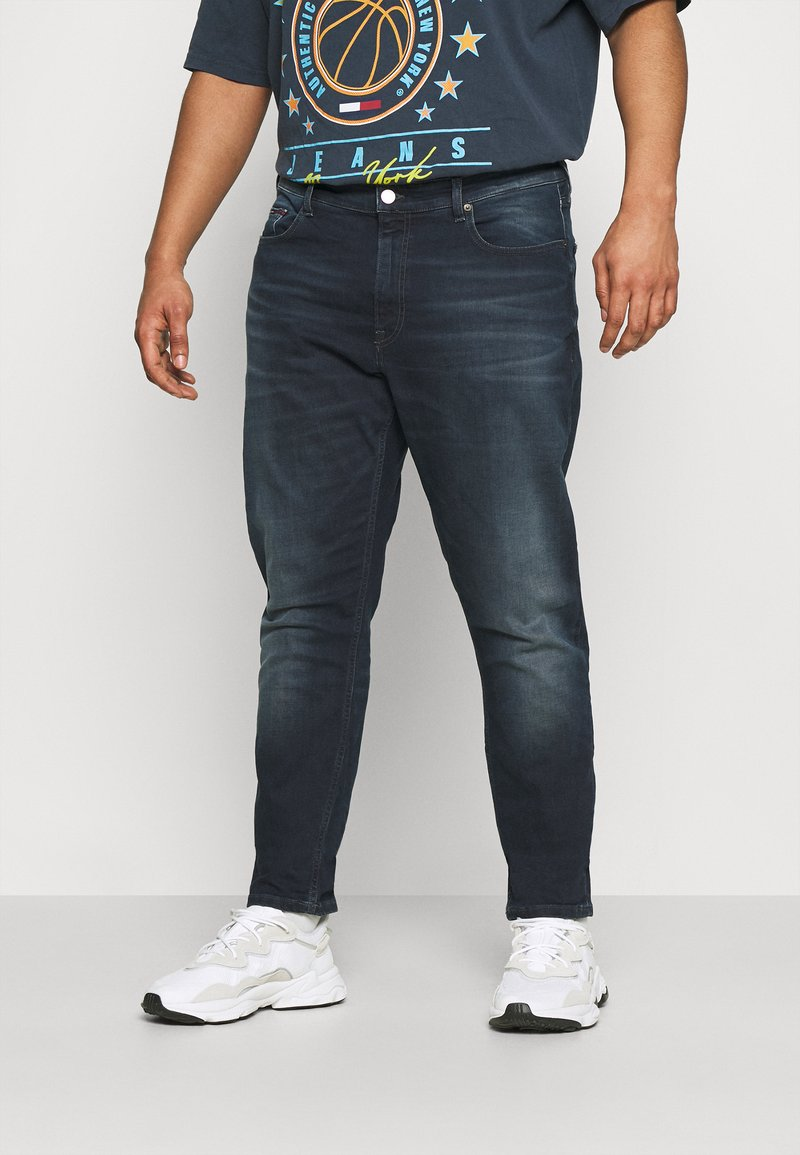 Tommy Jeans Plus - SCANTON SLIM - Slim fit jeans - CORNELL BLUE BLACK STRETCH