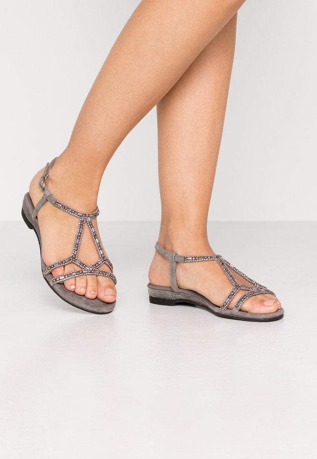 Sandaalit nilkkaremmillä - souffle