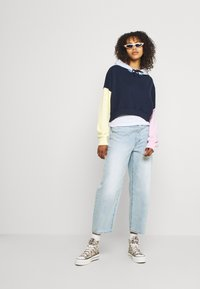 Hollister Co. - COLORBLOCKED CROPPED - Felpa - navy - 1