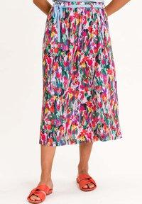 UVR Berlin - PALMIRAINA - A-line skirt - bunt mit floralem print - 0