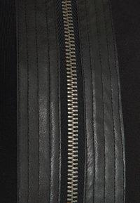 Carlo Colucci - Zip-up hoodie - black - 2