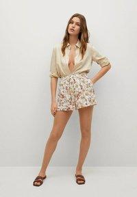 Mango - PARADISE - Shorts - off white - 1