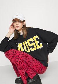 Colourful Rebel - MUSE DROPPED SHOULDER  - Sweatshirt - black - 3
