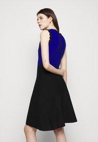 Milly - SCALLOPED COLORBLOCK - Jumper dress - black/azure - 5