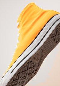 Converse - CHUCK TAYLOR ALL STAR  - Sneakers hoog - laser orange - 5