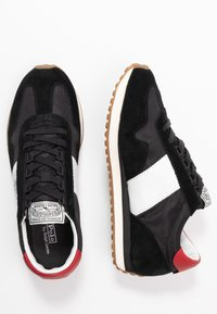 Polo Ralph Lauren - TRAIN - Sneakersy niskie - black/red - 1