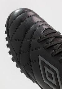 Umbro - MEDUSÆ III CLUB TF - Astro turf trainers - black/carbon - 5