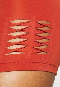 Nike Performance - SHORT HI RISE - Leggings - firewood orange/amber brown - 3