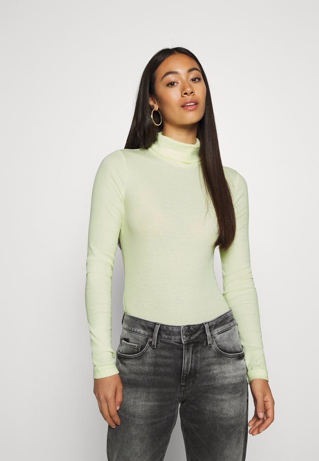 VERENA TURTLENECK - T-shirt à manches longues - bright yellow