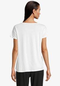 Betty & Co - Print T-shirt - rohweiß - 2