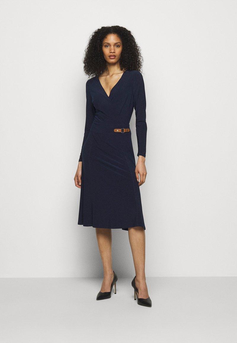 Lauren Ralph Lauren - MID WEIGHT DRESS - Žerzejové šaty - lighthouse navy