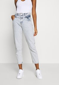 Miss Selfridge - FRILL POCKET MOM  - Jeansy Relaxed Fit - light blue - 0