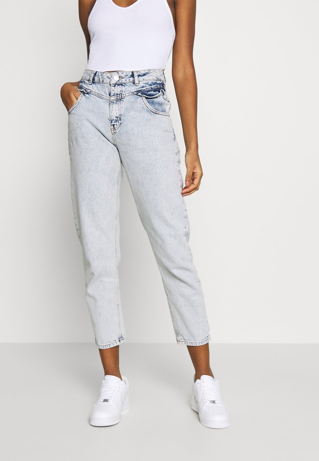 FRILL POCKET MOM  - Relaxed fit jeans - light blue