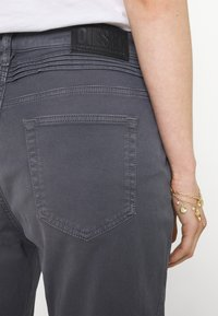 Diesel - FAYZA - Relaxed fit jeans - grey blue - 2