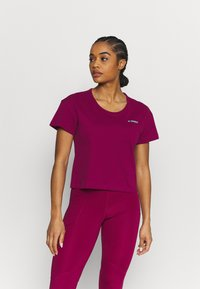 adidas Performance - TERREX ONLYCARRY GRAPHIC - T-shirts print - power berry - 0