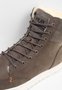 HUB - DUBLIN L47 THUMPER - Lace-up ankle boots - grey/white - 5