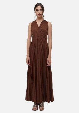 PLISSÉE - Maxi dress - marrone