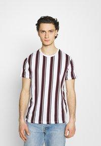 Burton Menswear London - 2 PACK - T-shirt print - white - 1