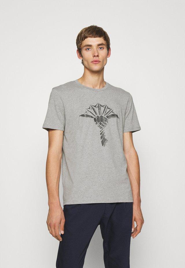 ALERIO - Print T-shirt - silver