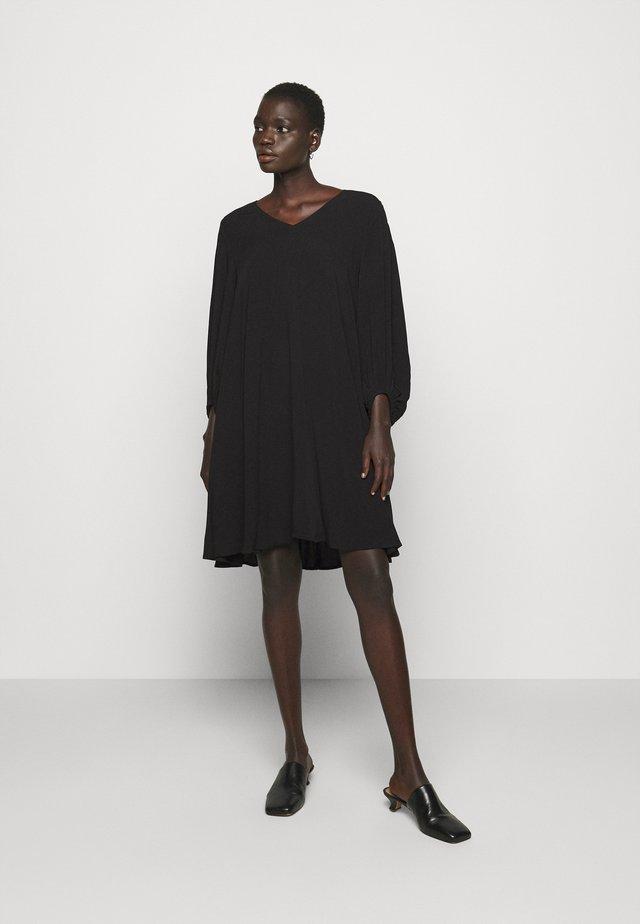 LUA ALLURA DRESS - Hverdagskjoler - black