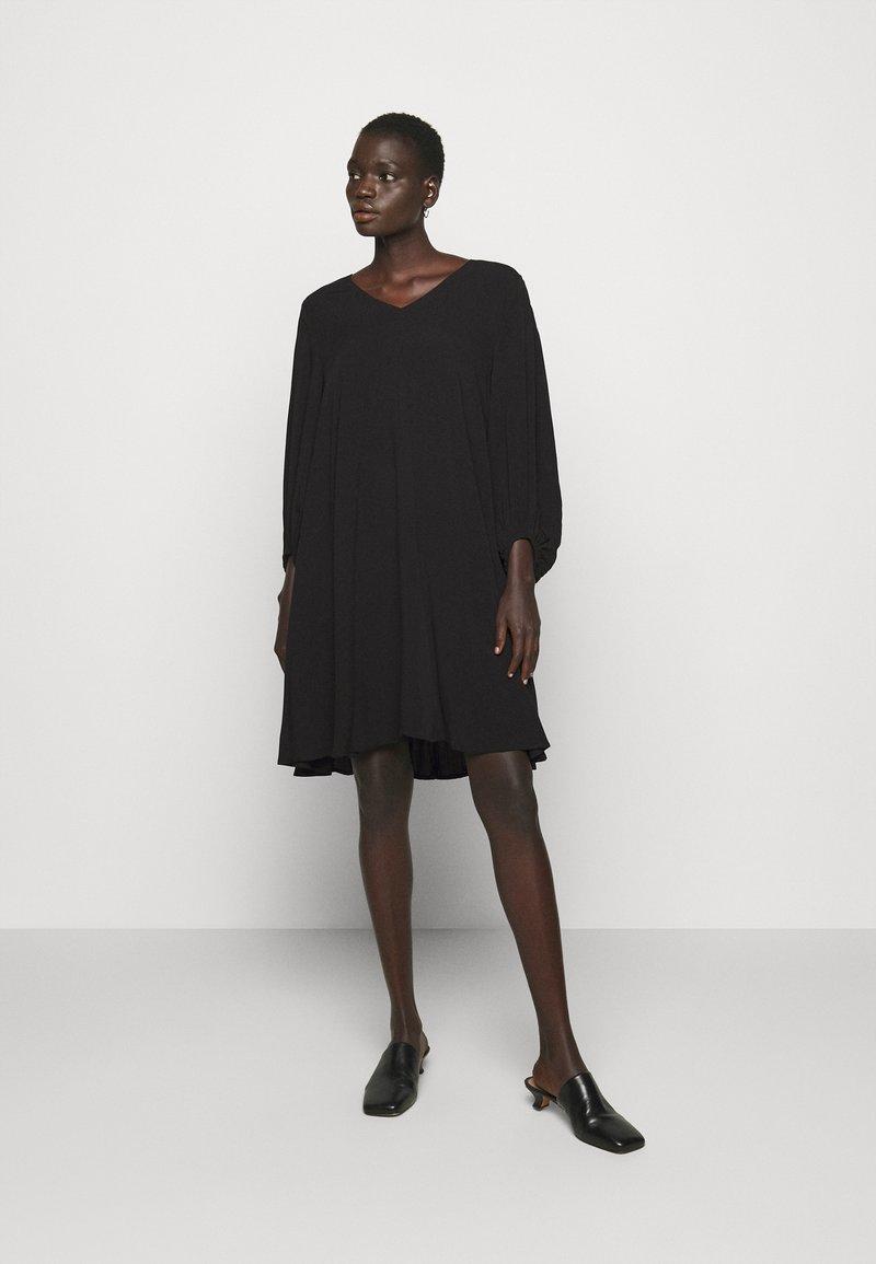 Bruuns Bazaar - LUA ALLURA DRESS - Denní šaty - black