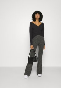 Nly by Nelly - CRISS CROSS SHOULDER - Long sleeved top - black - 1