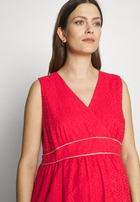 Balloon - DRESS WITHOUT SLEEVES WRAP NECKLINE - Žerzejové šaty - red - 3