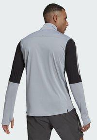 adidas Performance - OWN THE RUN RUNNING 1/2 ZIP SWEATSHIRT - Sweatshirt - grey - 2