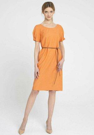 Sukienka dzianinowa - pomarańczowy
