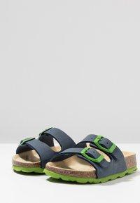Superfit - FUSSBETTPANTOFFEL - Domácí obuv - ocean - 3