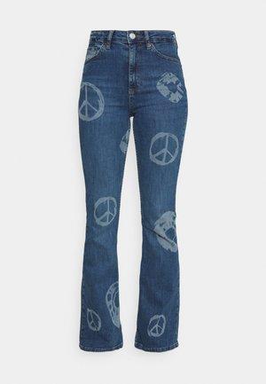 NOVELTY - Flared jeans - mid vintage
