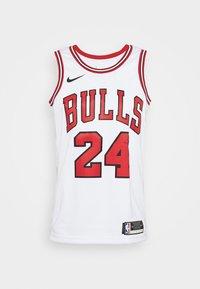 Nike Performance - NBA CHICAGO BULLS LAURI MARKKANEN SWINGMAN - Article de supporter - white/university red/black - 6